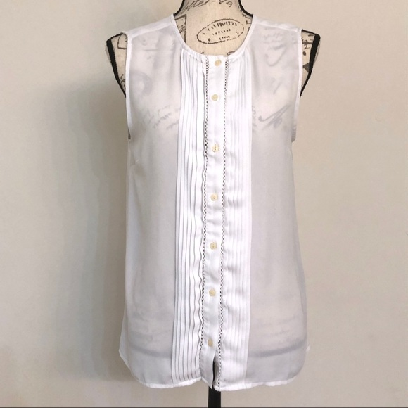 035a842a878 Banana Republic White Button Front Sleeveless Top